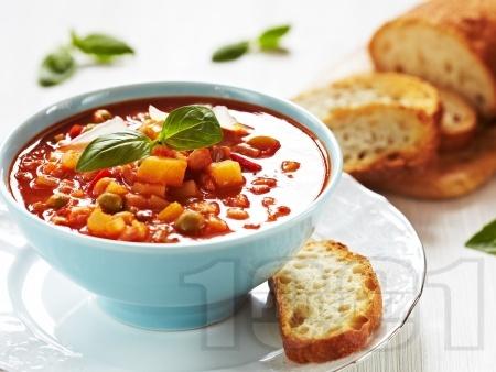 Зеленчукова супа с картофи, грах и домати - снимка на рецептата